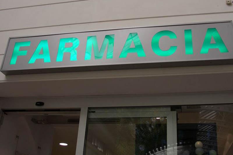 Immagine esterna della farmacia: ecco come migliorarla